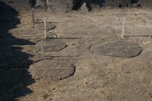 Dolní Roveň. pohled na kůlové jamky po začištění plochy