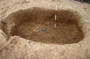 Libišany. obj. 10. pohled na prozkoumanou stavební jámu