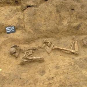obr. 7 – Úhřetice. Kostrový hrob kultury se zvoncovitými poháry.